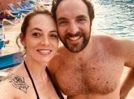 David Mora (Scènes de ménages) : Torse nu avec sa chérie en vacances