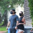 Exclusif - Lea Michele enceinte se promène avec son mari Zandy Reich et sa mère Edith Sarfati dans le quartier de Santa Monica à Los Angeles pendant l'épidémie de coronavirus (Covid-19), le 17 août 2020