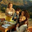 Jennifer Lopez, sa mère Guadalupe et ses deux enfants Max et Emme figurent sur la nouvelle campagne publicitaire de Coach. Août 2020.