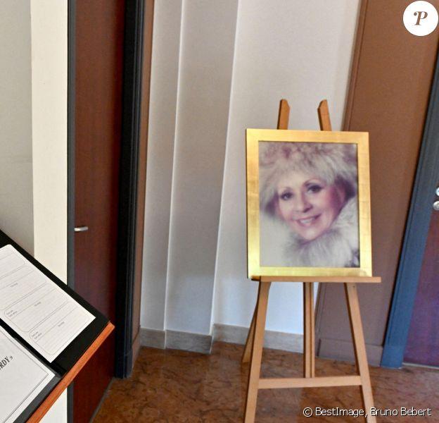 Le grand public et les amis d'Annie Cordy peuvent à lui rendre hommage à la maison funéraire de Cannes (Alpes-Maritimes) © Bruno Bebert / Bestimage