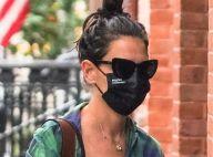 Katie Holmes bombarde de messages son chéri infidèle malgré le scandale