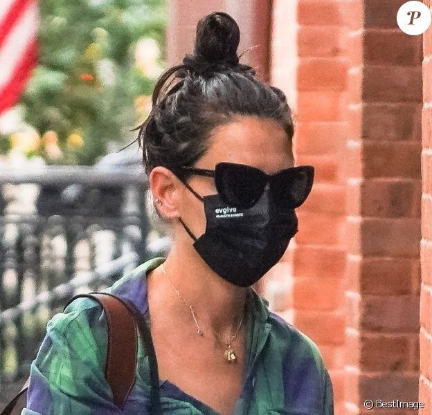 Exclusif - Katie Holmes va faire ses courses dans les rues de New York