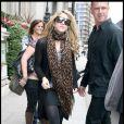 Shakira surprise à la sortie de son hôtel à Londres le 22 septembre 2009