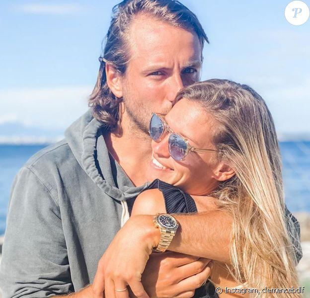 Lucas Pouille et sa maman Clémence ont annoncé attendre leur premier enfant, un an après leur mariage.
