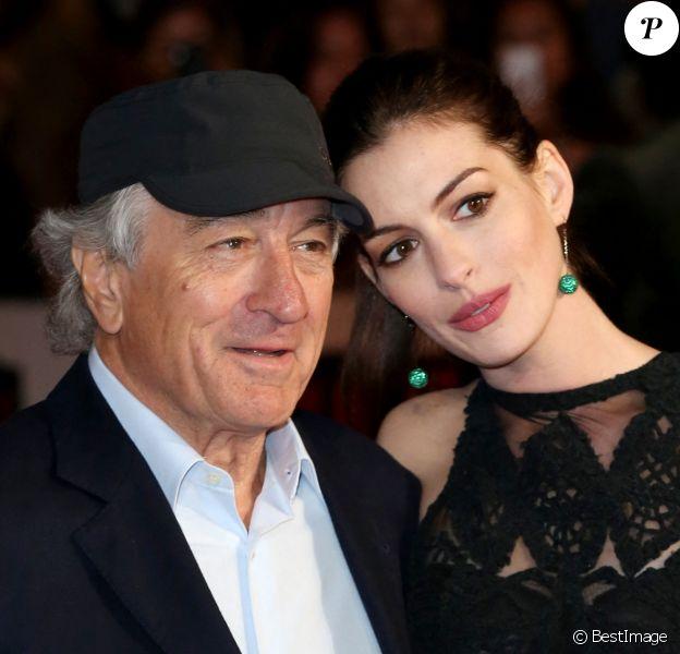 """Robert De Niro et Anne Hathaway - Première du film """"The Intern"""" à Londres. 2015"""