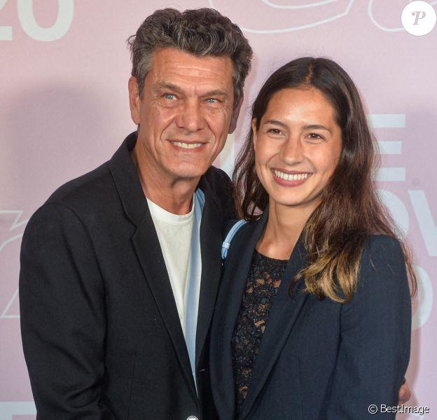 Marc Lavoine et Line Papin - Photocall du défilé Etam Live Show 2020 à Paris, septembre 2020. © Pool Agence Bestimage