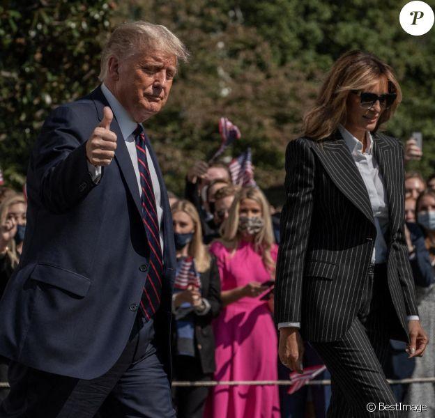 Le président Donald Trump et la première dame Melania Trump quittent La Maison Blanche pour se rendre à Cleveland dans l'Ohio, le 29 septembre 2020