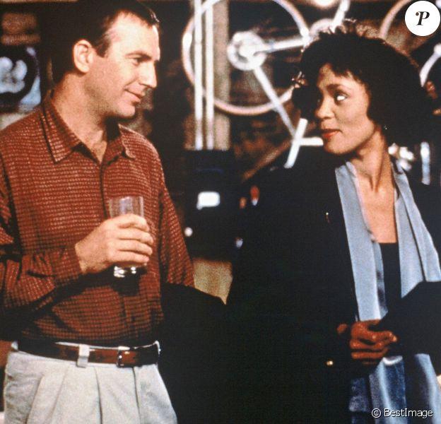 "Archives - Whitney Houston et Kevin Costner dans le film ""Bodyguard"""