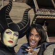 Audrey Pulvar et Maléfique à l'occasion de l'ouverture de la saison d'Halloween à Disneyland Paris, le 26/09/09