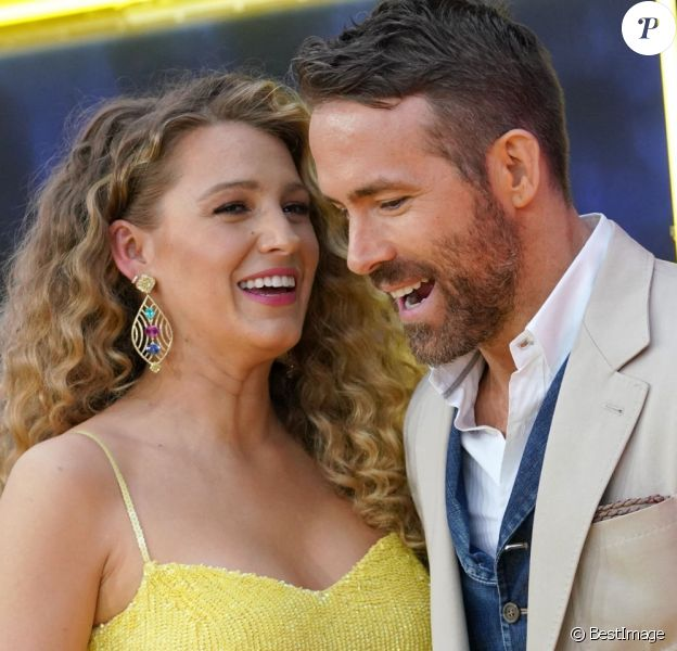 "Ryan Reynolds et sa femme Blake Lively enceinte à la première de ""Pokemon Detective Pikachu"" au Military Island sur Times Square à New York."