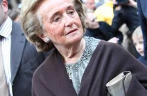 Bernadette Chirac : Elle ne regrette pas sa soirée au VIP Room... taille Balladur et cajole Carla Bruni !