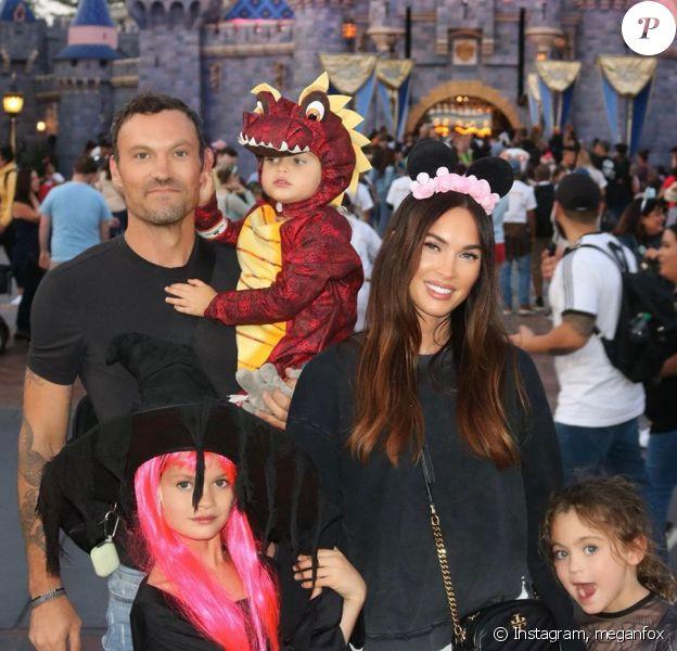 Megan Fox, Brian Austin Green et leurs trois enfants fêtent Halloween à Disneyland