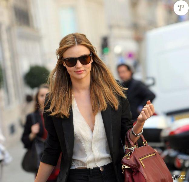 Miranda Kerr dans les rues de Paris