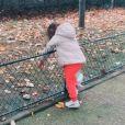 Amel Bent a emmené ses filles Sofia et Hana à l'école, oubliant que le mercredi 11 novembre 2020 étaient un jour férié.
