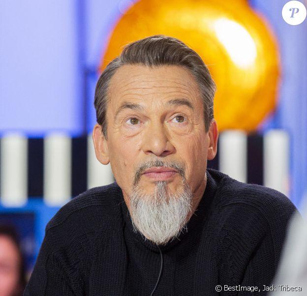 """Exclusif - Florent Pagny - Enregistrement de l'émission """"Clique"""" présentée par Mouloud Achour sur Canal Plus à Issy-les-Moulineaux. © Jack Tribeca/Bestimage"""