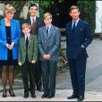Diana, le prince Charles et leurs fils Harry et William à Eton en 1995.