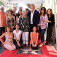 Kenny Ortega pose avec sa mère Madeline Ortega, sa famille et ses amies Jennifer Grey et Kathy Najimy - Kenny Ortega reçoit son étoile sur le Walk of Fame à Hollywood, le 24 juillet 2019.
