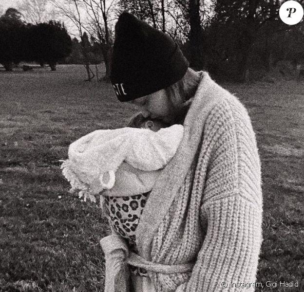 Le top model Gigi Hadid et sa fille.