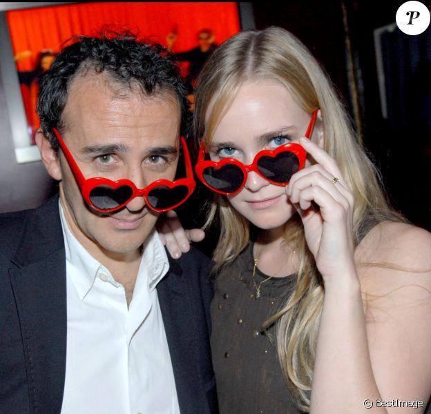"""Elie Semoun et Juliette Gernez lors de la soirée de lancement du DVD """"Elie Annonce Semoun"""" à Paris"""