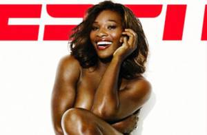 Serena Williams se dévoile... sans rien sur la peau mais avec le sourire !