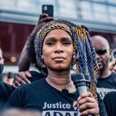 Assa Traoré, la soeur d'Adama Traoré, mort à l'issue de son interpellation par des gendarmes, a reçu le prix BET Global Good lors des BET Awards.