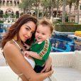 Nabilla est l'heureuse maman du petit Milann (1 an), né de ses amours avec son mari Thomas Vergara.
