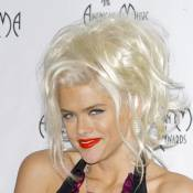 Anna Nicole Smith soupçonnée par le FBI de... complot d'assassinat !
