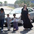 Angelina Jolie et ses enfants Pax, Zahara et Shiloh au Toys'r'us de Toulon en France
