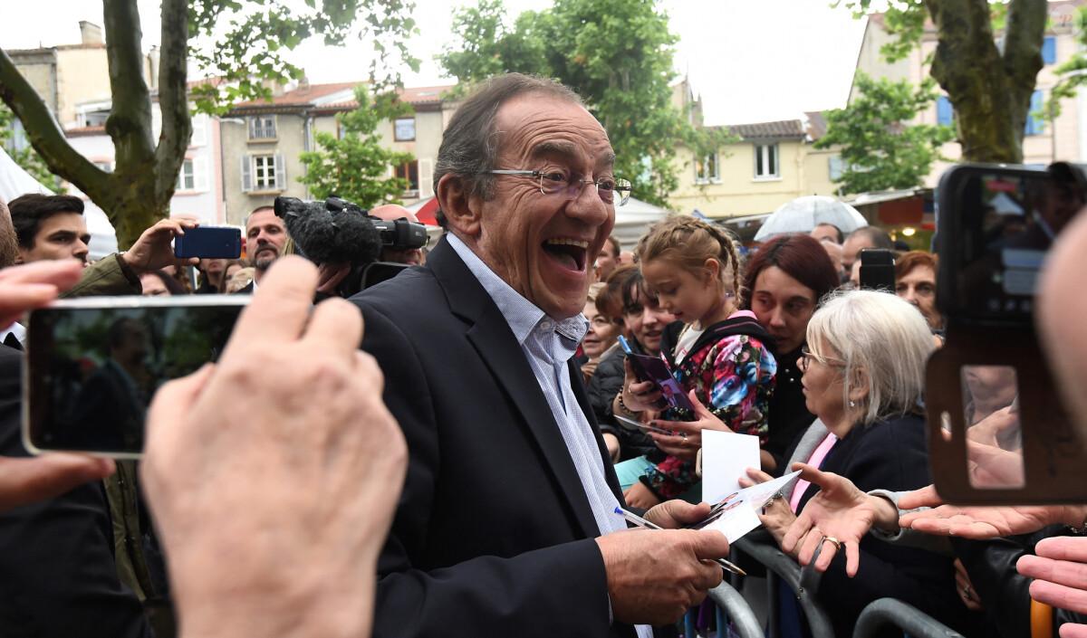 Jean-Pierre Pernaut : Qui sont Julia et Olivier, ses enfants nés de sa relation avec Dominique Bonnet ?