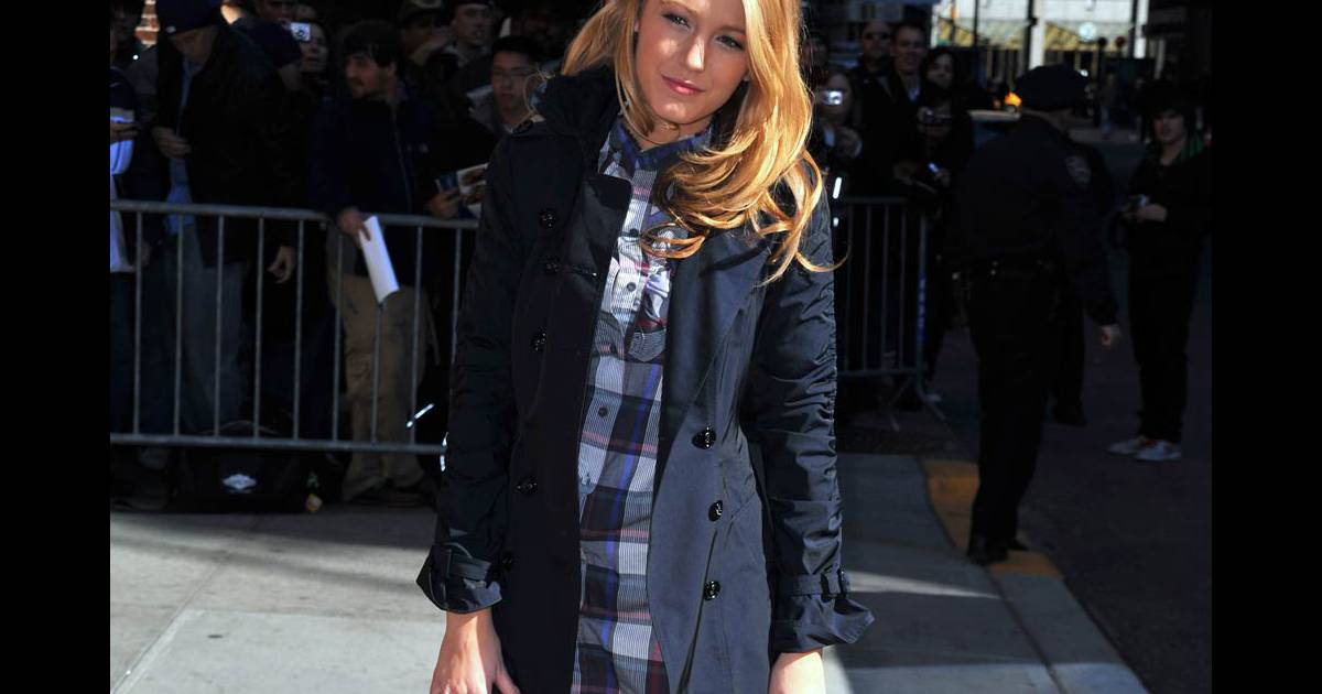 247b442a5fa4 Blake Lively adooore son sac Chanel ! - Purepeople