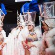 """Exclusif - Les danseuses du Lido - Backstage de l'enregistrement de l'émission """"300 Choeurs chantent pour les Fêtes"""", qui sera diffusée le 24 décembre sur France 3, à Paris. Le 14 septembre 2020 © Tiziano Da Silva / Bestimage"""