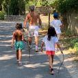 Franck Dubosc et ses enfants en vacances sur Instagram- été 2019.