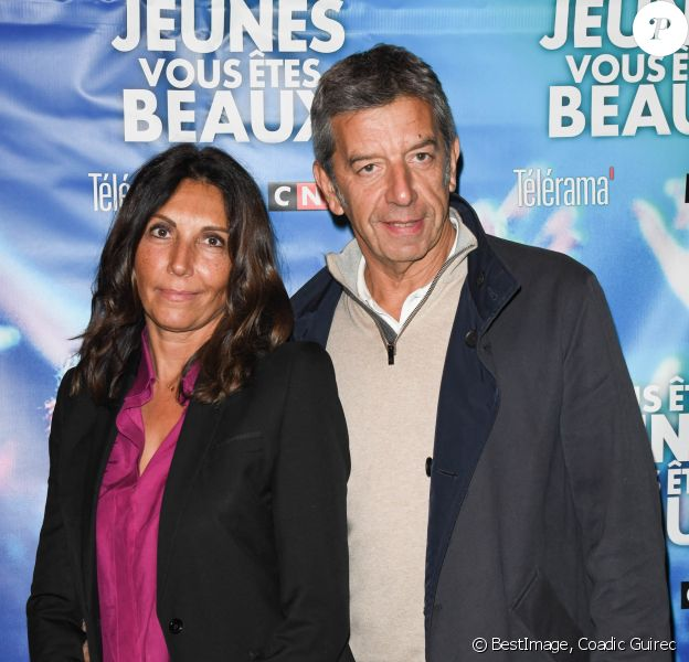 """Michel Cymes et sa femme Nathalie - Avant-première du film """"Vous êtes jeunes, vous êtes beaux"""" au cinéma Gaumont Opéra à Paris. © Coadic Guirec/Bestimage"""