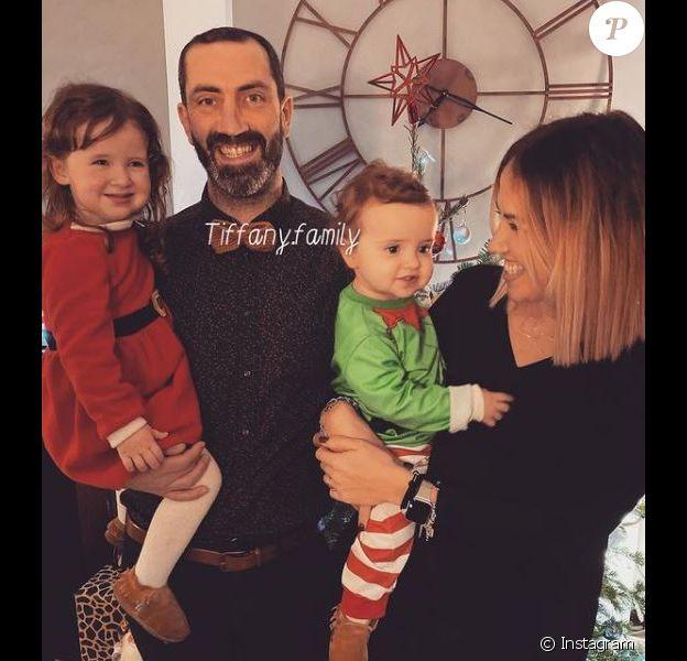 """Tiffany et Julstin de """"Mariés au premier regard"""" avec leurs filles Romy et Zélie"""