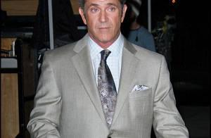 Quand Mel Gibson dîne en tête à tête avec la belle Jodie Foster... il apporte un castor !
