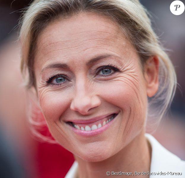 """Anne-Sophie Lapix - Montée des marches du film """" Ahlat Agaci """" lors du 71ème Festival International du Film de Cannes.  © Borde-Jacovides-Moreau/Bestimage"""