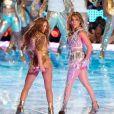 Shakira, Jennifer Lopez sur scène pour le show lors de la mi-temps du 54 ème Super Bowl au Hard Rock Stadium à Miami le 2 février 2020 © Paul Kuroda/ZUMA Wire / Bestimage