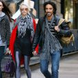 Carlos Leon, l'ex de Madonna et père de leur fille Lourdes, se promène avec sa petite-amie à New York le 19 octobre 2009