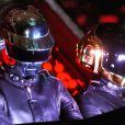 Les Daft Punk ont beau cacher leur visage, celà ne les empêchent pas pour autant de se faire usurper leur identité... Des escrocs ont inventé un faux concert à Shangaï. Le moyen pour eux d'empocher plus de... 190 000 euro !