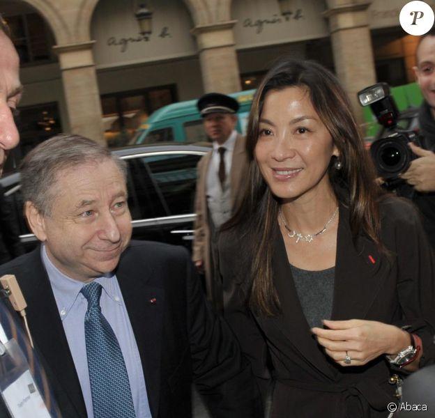 Michelle Yeoh arrive au bras de Jean Todt pour sa nomination ce matin à la tête de la FIA