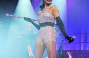 Alesha Dixon, très court vêtue pour des débuts étincelants...