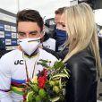 Championnat du monde de cyclisme en Italie à Imola - Julian Alaphilippe devient champion du monde. Marion Rousse est à ses côtés.