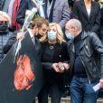 Brigitte Fossey, Véronique de Villèle, Nicoletta et Gilles Muzas lors des obsèques du danseur étoile Patrick Dupond en l'église Saint-Roch à Paris, France, le 11 mars 2021.