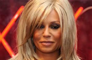 Mel B et son mari se livrent une guerre des looks les plus improbables... elle devient blonde !