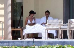 Jaime Pressly s'affiche en bikini et toute dorée avec son mari... pour sa lune de miel !