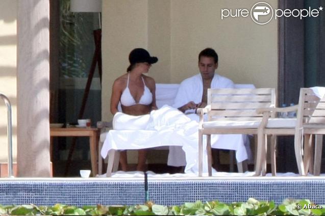 Jaime Pressly et son mari passant leur lune de miel au Mexique le 13 octobre 2009