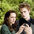 La scène de l'anniversaire fait l'ouverture dans  Twilight II .