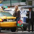 Blake Lively à la recherche du cadeau d'anniversaire de son amoureux Penn Badgley à New York le 28 otobre