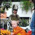 Kingston et Zuma se sont faits manger par des dinosaures pour Halloween. Les enfants de Gwen Stefani et Gavin Rossdale sont vraiment à croquer !