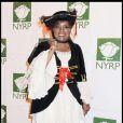 La chanteuse du célèbre  I Will Survive  a joué la carte femme pirate pour Halloween. C'était à New york pour la soirée de Bette Midler, le 31 octobre 2009.